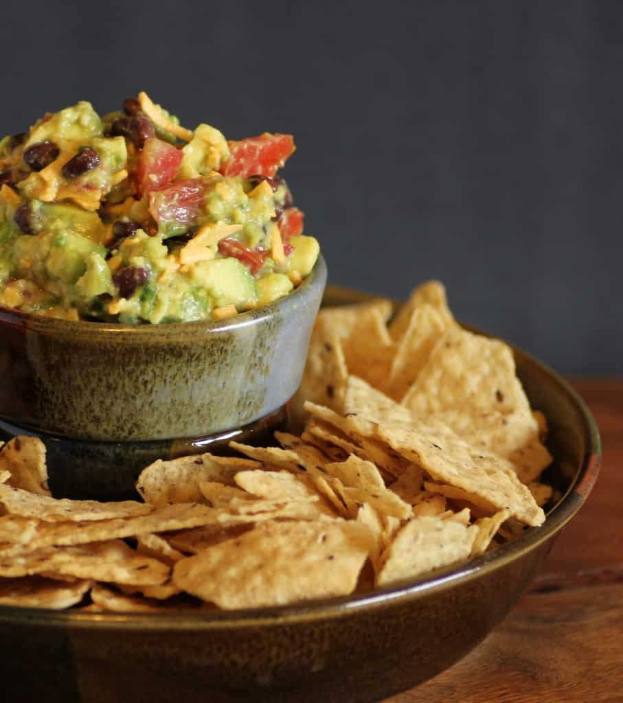 Joe Montana's Touchdown Guacamole | Noshing with the Nolands