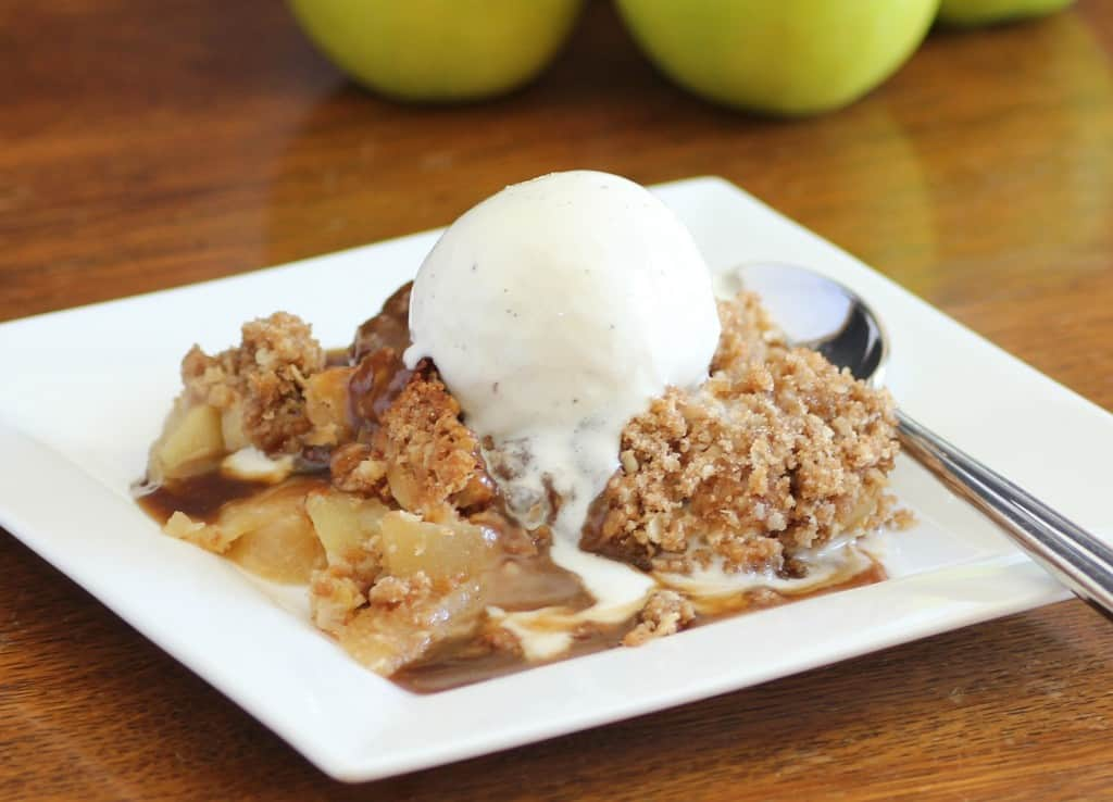 Old Fashioned Apple Crisp with Caramel Sauce for Autumn Apple Party ...