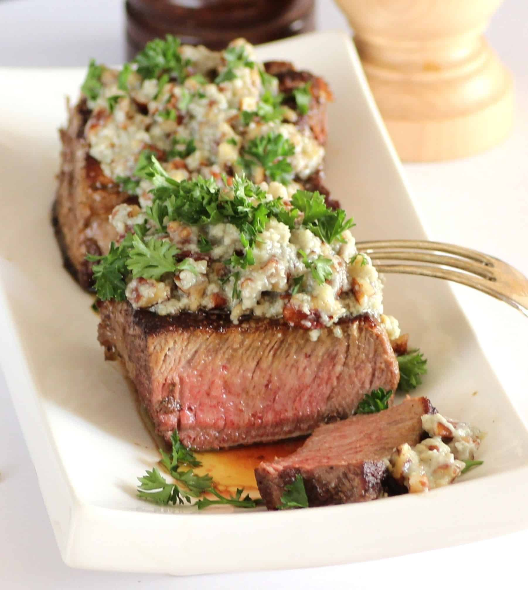 Beef tenderloin with stilton pecan butter for dishes in 5 beef tenderloin with stilton pecan butter for dishes in 5 ingredients or less sundaysupper forumfinder Image collections