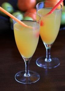 Peach Sparkler #CocktailDay