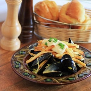 Mussels-and-Pomme-Frites-Small