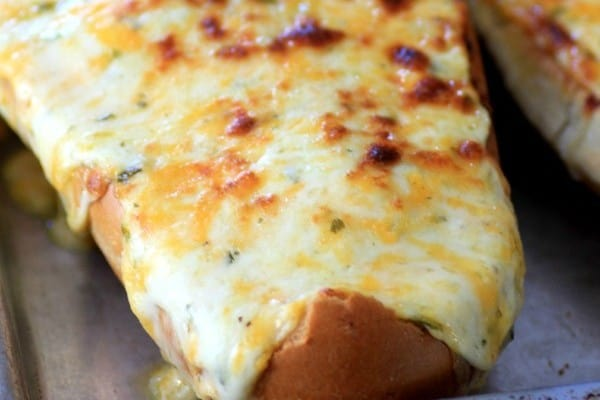 Mouth Watering Mondays – Cheesy Bread
