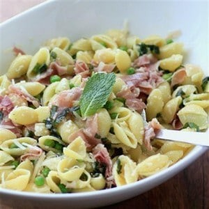 Pasta with Proscuitto Peas Mint and Lemon