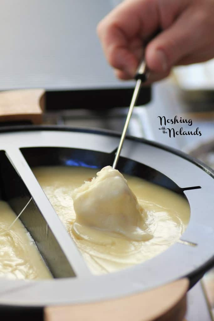 Mouth Watering Mondays - Emmentaler-Gruyere Fondue by Noshing With The Nolands