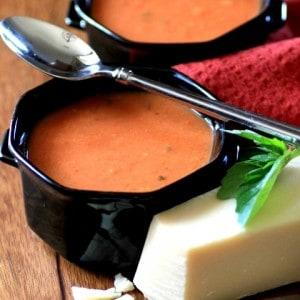 MWM Slow Cooker Tomato Basil Soup