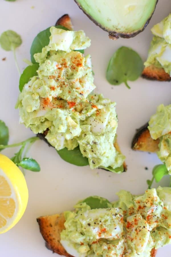 avocado_Egg_salad_toasts_hero (Custom)