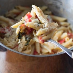 One-Pot Easy Caprese Pasta