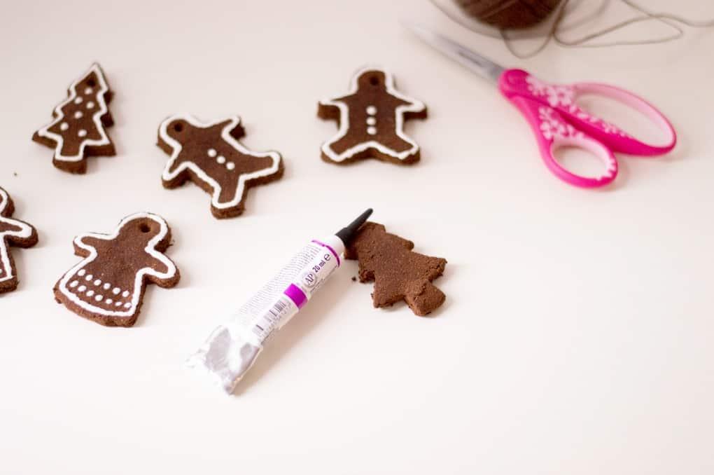 """Decorating Non-Edible """"Gingerbread"""" Cinnamon Ornaments"""