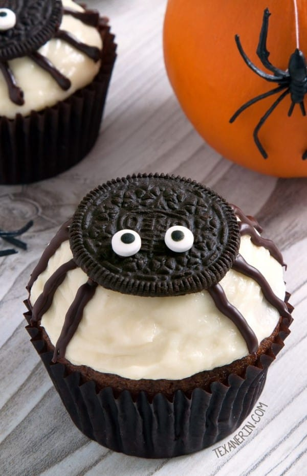 Oreo topped spided cupcakes