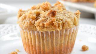 Banana Brown Sugar Crumb Muffins #Guestpost