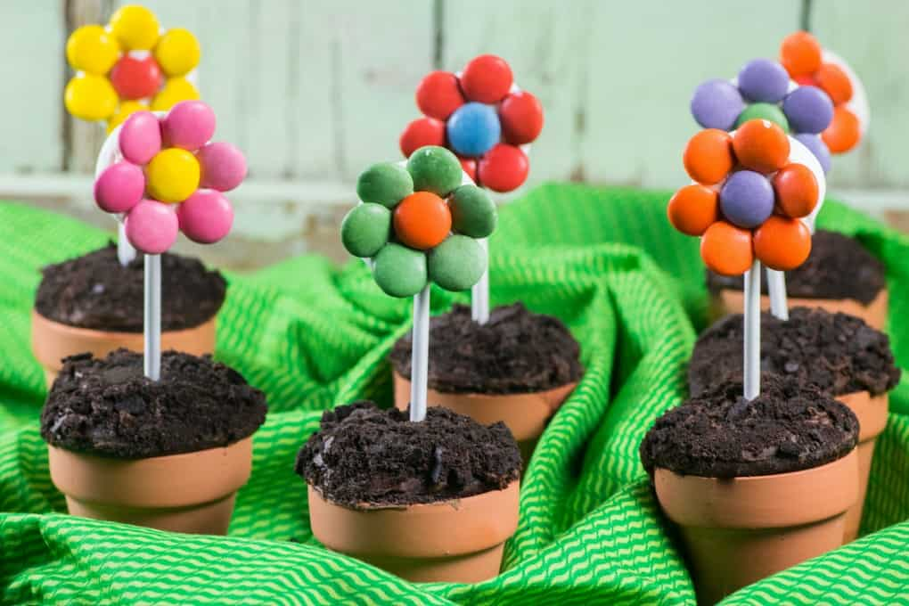 Flower Pot Cupcakes on a green table cloth