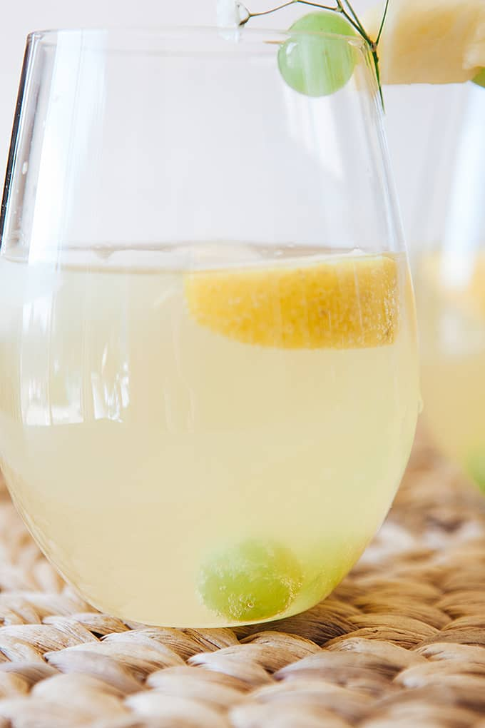 Using sparkling mineral water in a mocktail spritzer