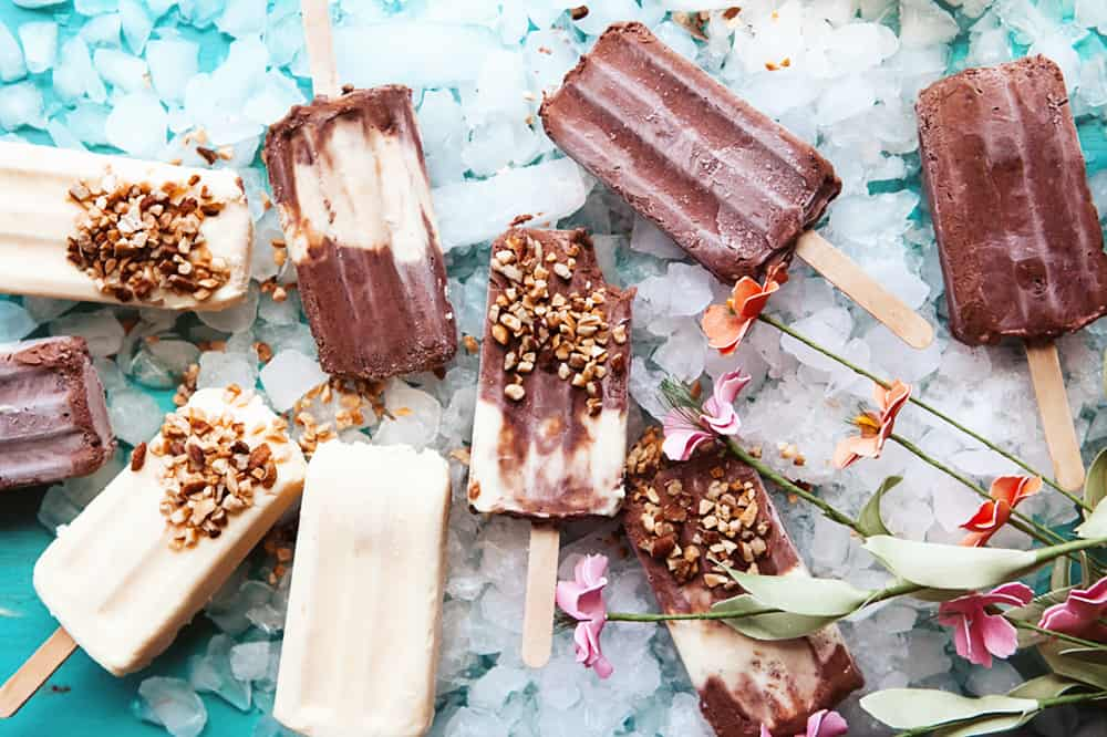 Chocolate and Vanilla Pudding Pops on Ice